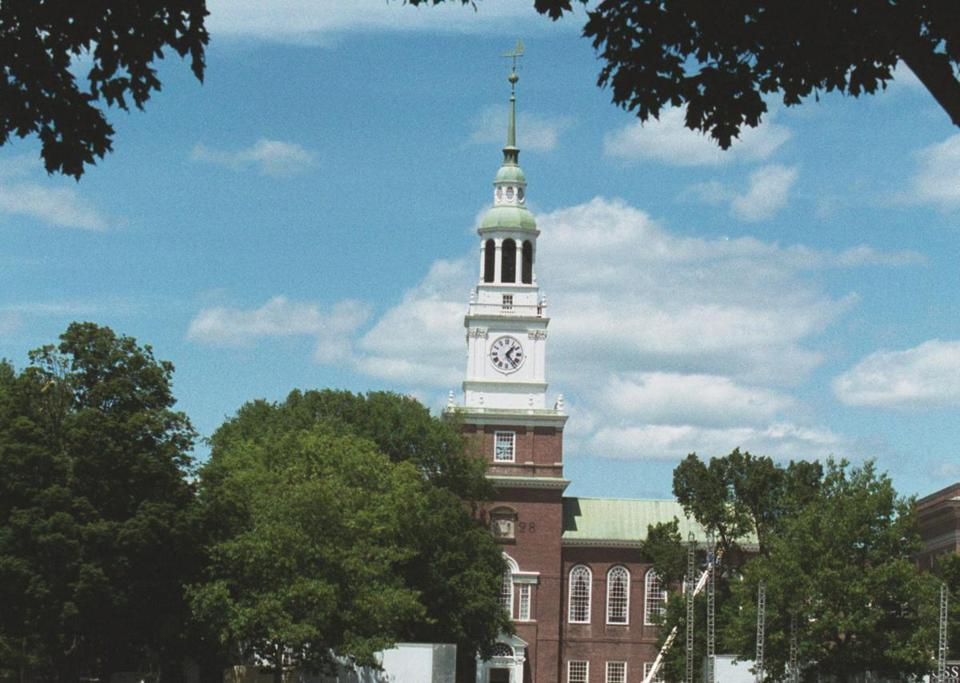 6/6/2001-Hanover, NH - Dartmouth Green on the campus of Dartmouth College in Hanover, NH. (City/Region/Arden-Smith story) Globe Photo/JD Denham
